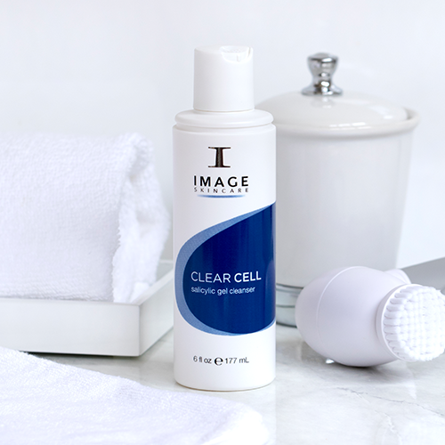 Clear Cell Clarifying Gel Cleanser Image