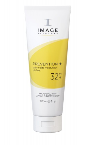 Prevention + Daily Matte Moisturizer SPF 32 image